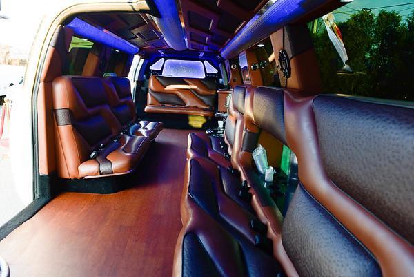 20 Passenger Cadillac Escalade with Jet Door New (3)