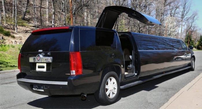 Cadillac-Escalade-Stretch-Limo-5
