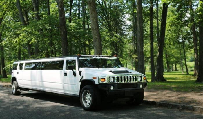 White Stretch Hummer H2 1